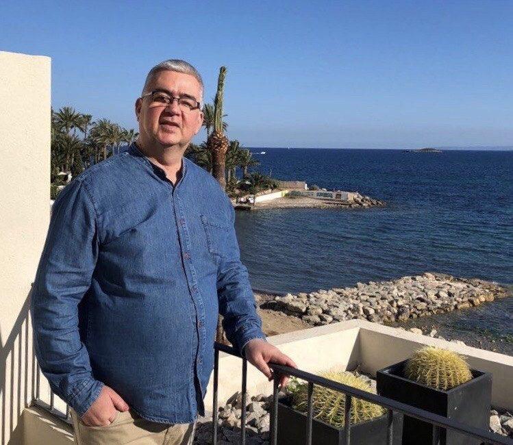 entrevista-a-beto-navarro-autor-de-el-arte-tambien-se-come