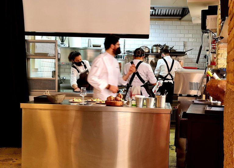 la-cocina-personal-de-german-y-carito-en-fierro